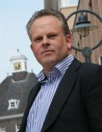 Chris van Gompel   NMI Mediator