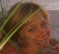 mr Hella van der Linden-Larsen