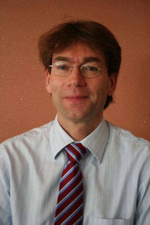 Arie Nennie voor zakelijke gespreksbegeleiding, mediation en conflictmanagement